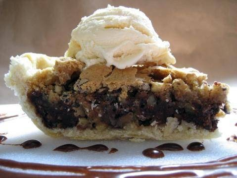 Walnut Chocolate Chip Pie Recipe - This Lil Piglet