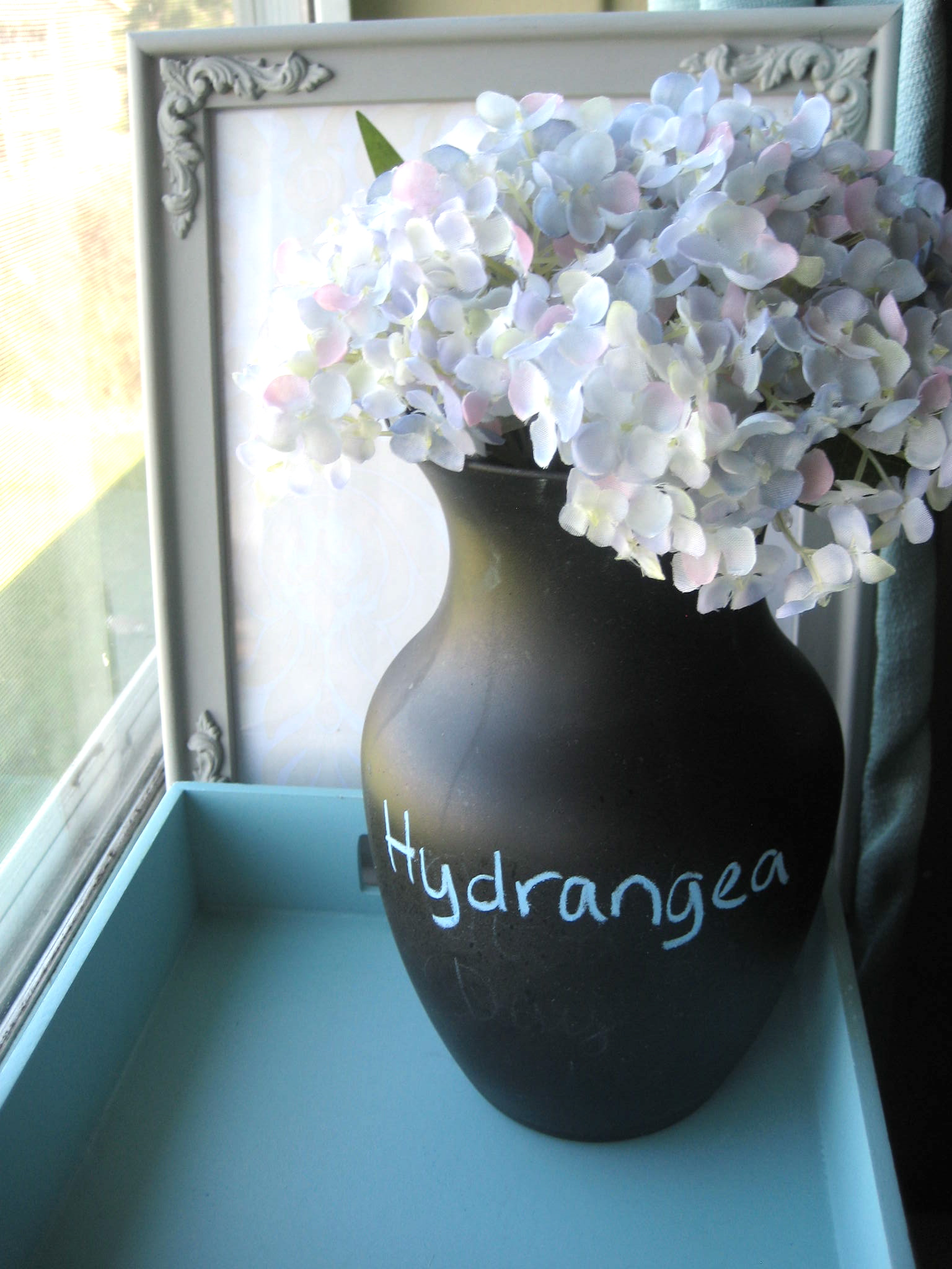 DIY Chalkboard Vase Tutorial