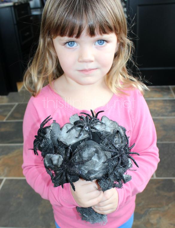 Egg Carton Halloween Spider Nest Bouquet Craft