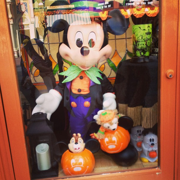 Mickeys Not So Scary Halloween 2013 Window Shopping