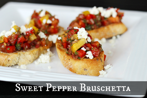 Sweet Pepper Bruschetta by thislilpiglet.net #HolidayAppetizers