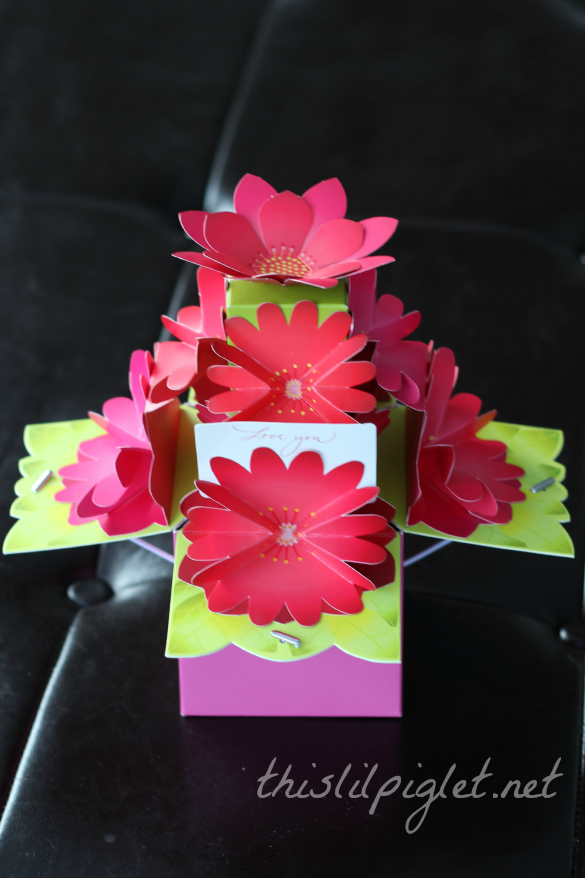 Last minute valentine 39 s day gifts from hallmark this lil Hallmark flowers