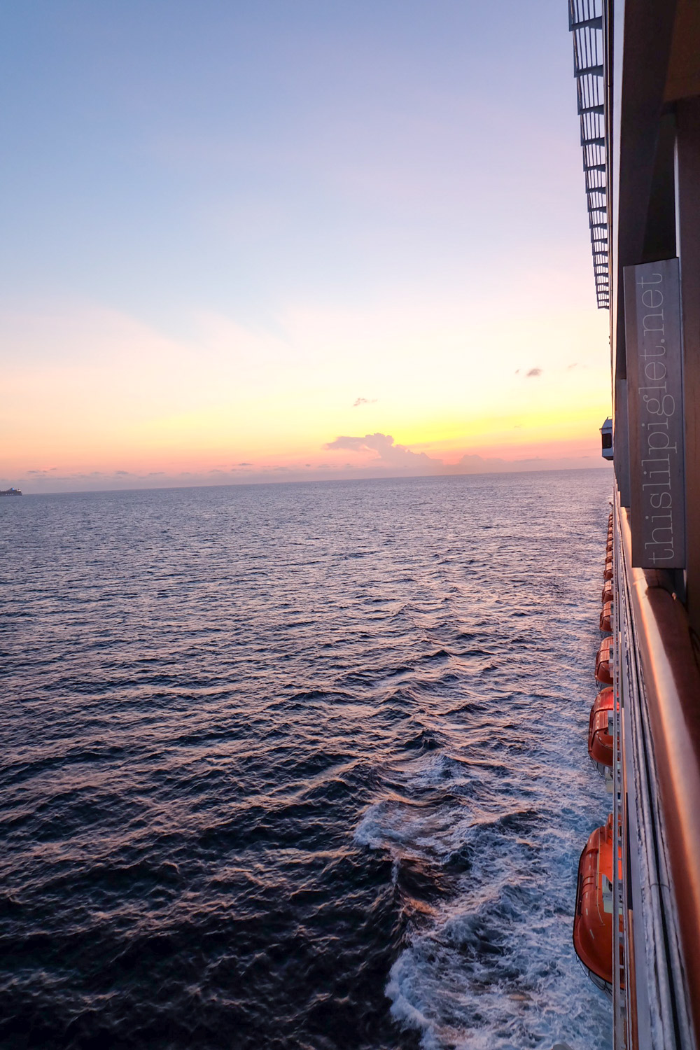 First Cruise Tips for Couples: Carnival Conquest Sunset // thislilpiglet.net