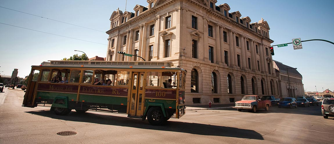 MooseJaw-trolley-tour