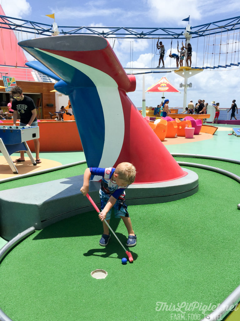 First Family Cruise Tips on the Carnival Magic: SportsSquare Mini Golf // thislilpiglet.net
