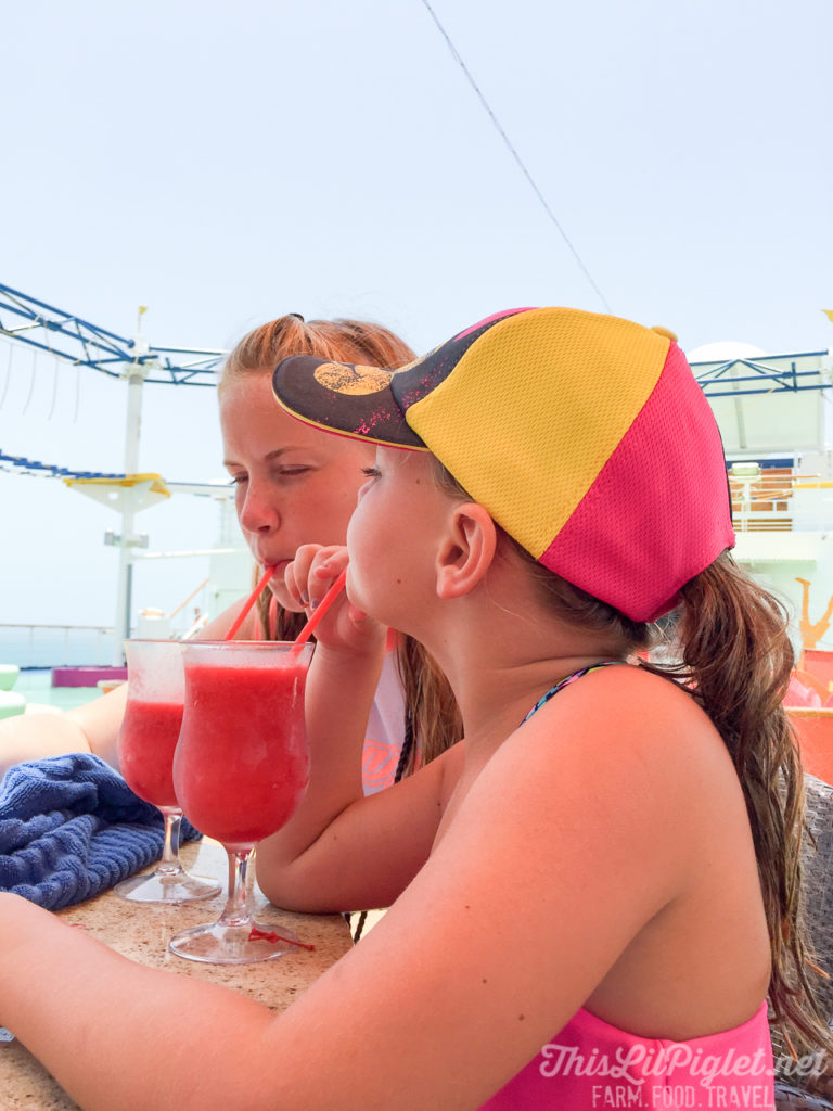 First Family Cruise Tips on the Carnival Magic: Food and Drinks for Kids // thislilpiglet.net