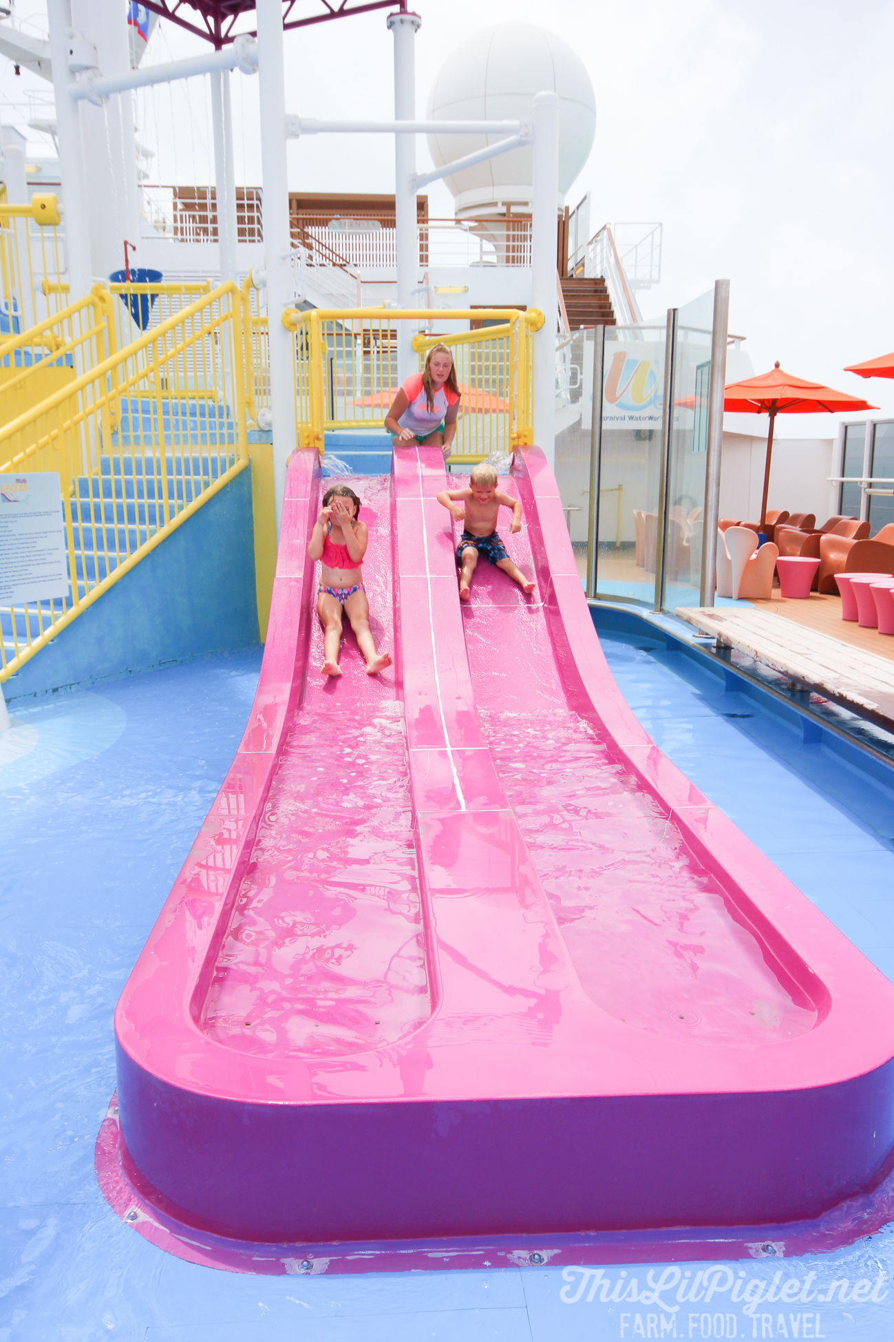 First Family Cruise Tips on the Carnival Magic: Waterworks Waterslide Races // thislilpiglet.net