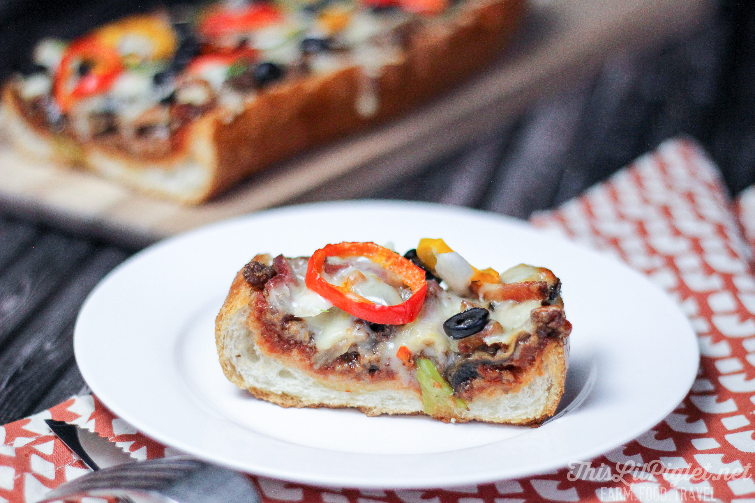Hamburger Pizza Loaf All Dressed // thislilpiglet.net