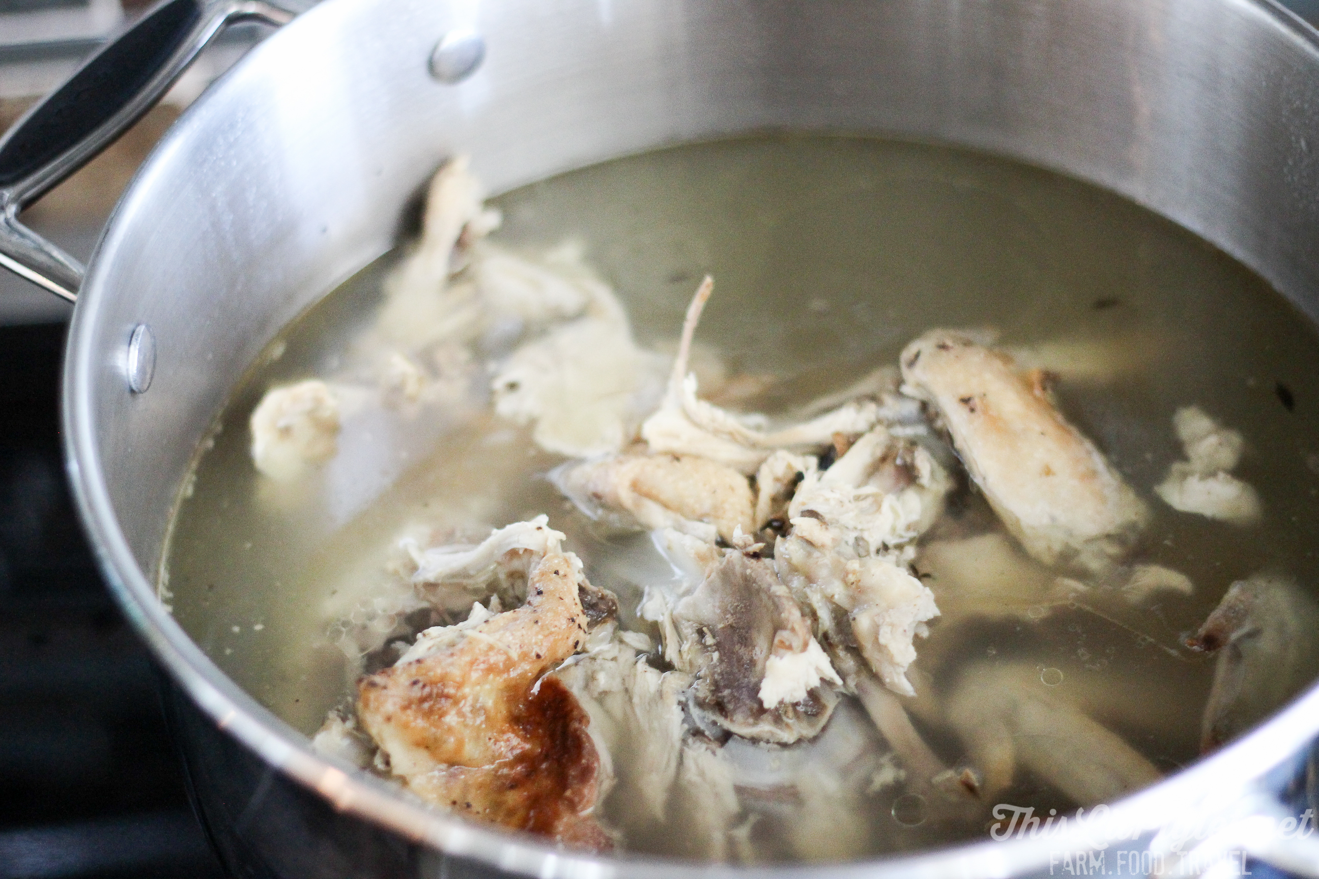 Chicken Stock // thislilpiglet.net