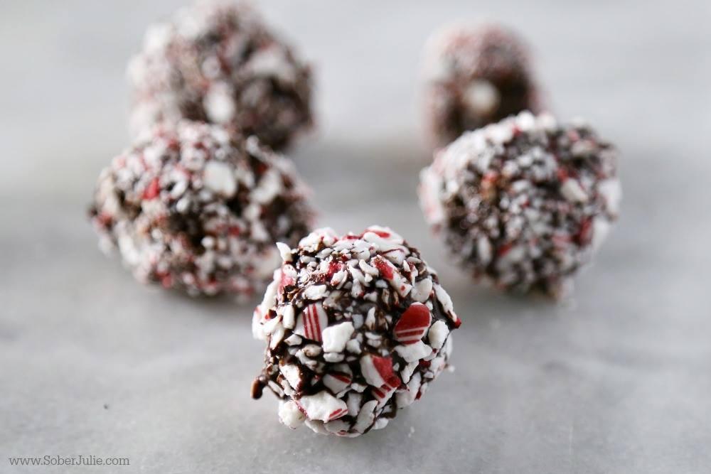 Dark Chocolate Truffles // thislilpiglet.net