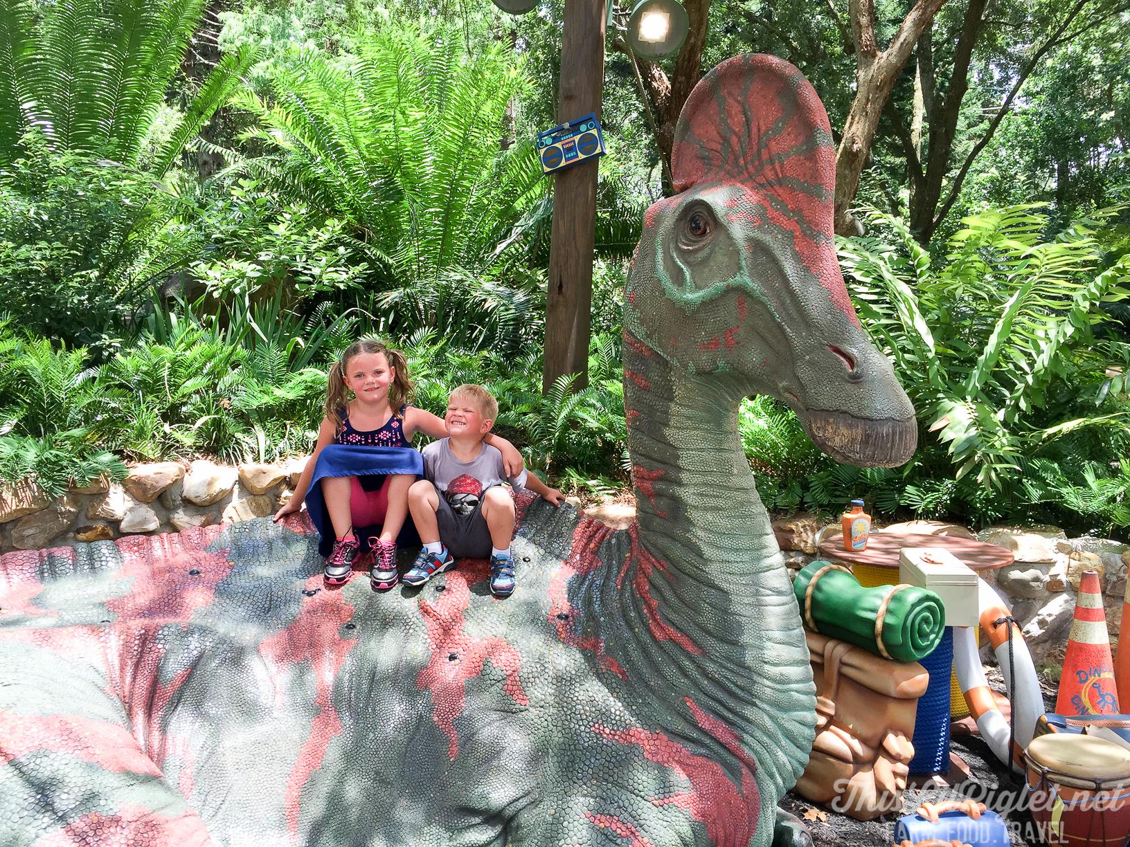 Walt Disney World Disney's Animal Kingdom DinoLand U.S.A. // thislilpiglet.net