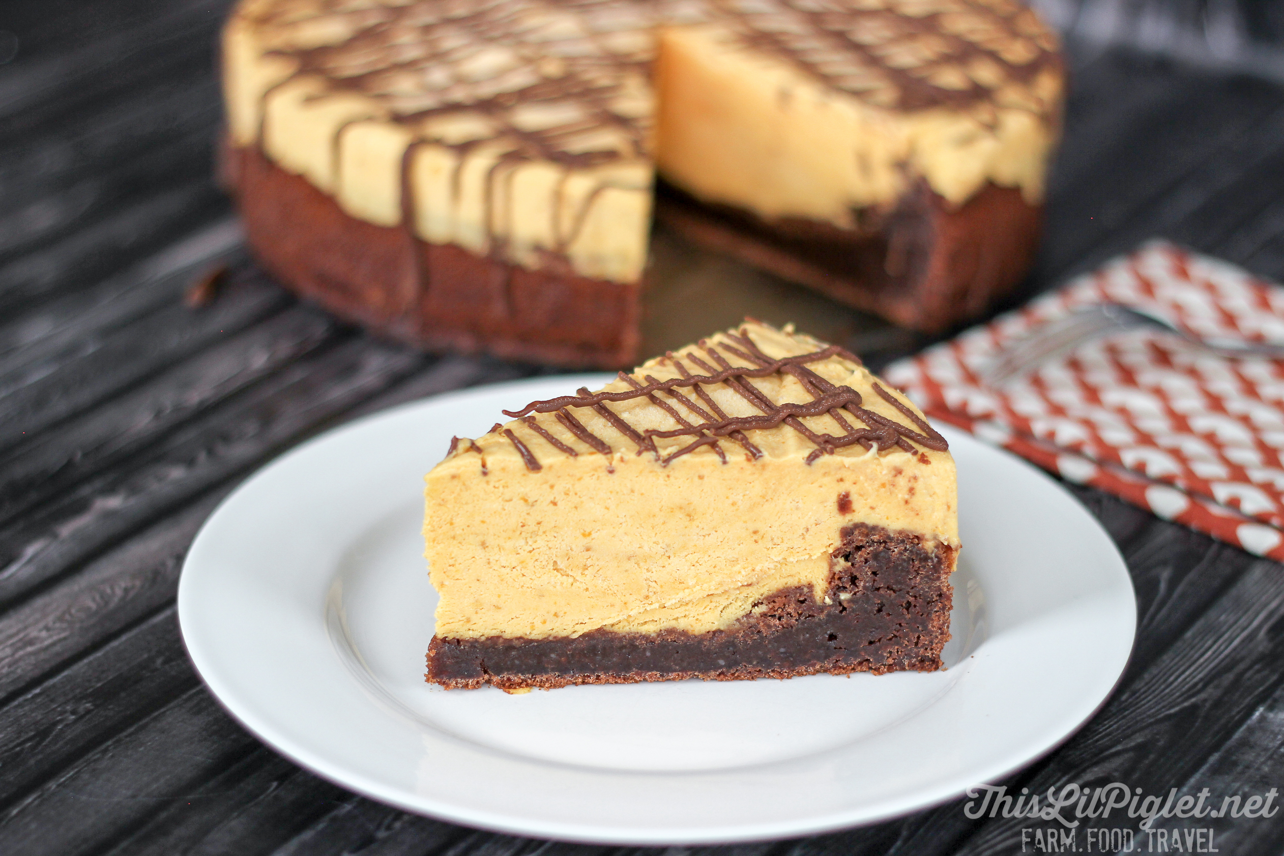 Brownie Pumpkin Cheesecake {No-Bake} Slice // thislilpiglet.net