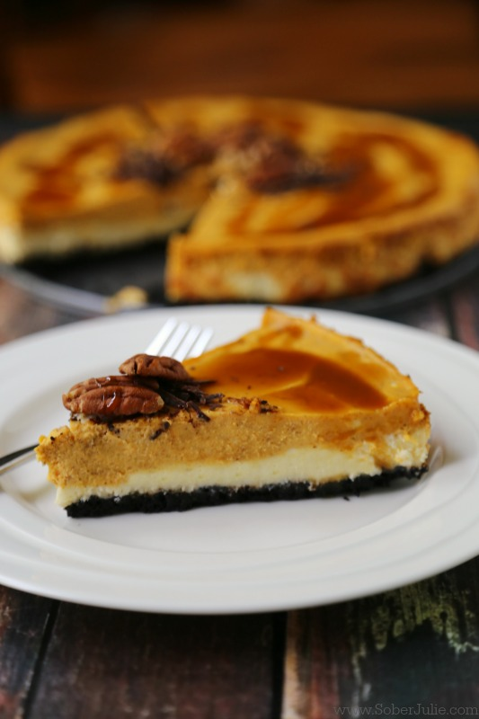 Easy Layered Pumpkin Cheesecake // thislilpiglet.net