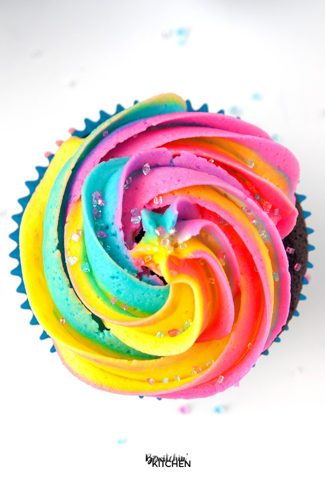 20 Best Buttercream Frosting Recipes - Rainbow Buttercream // thislilpiglet.net