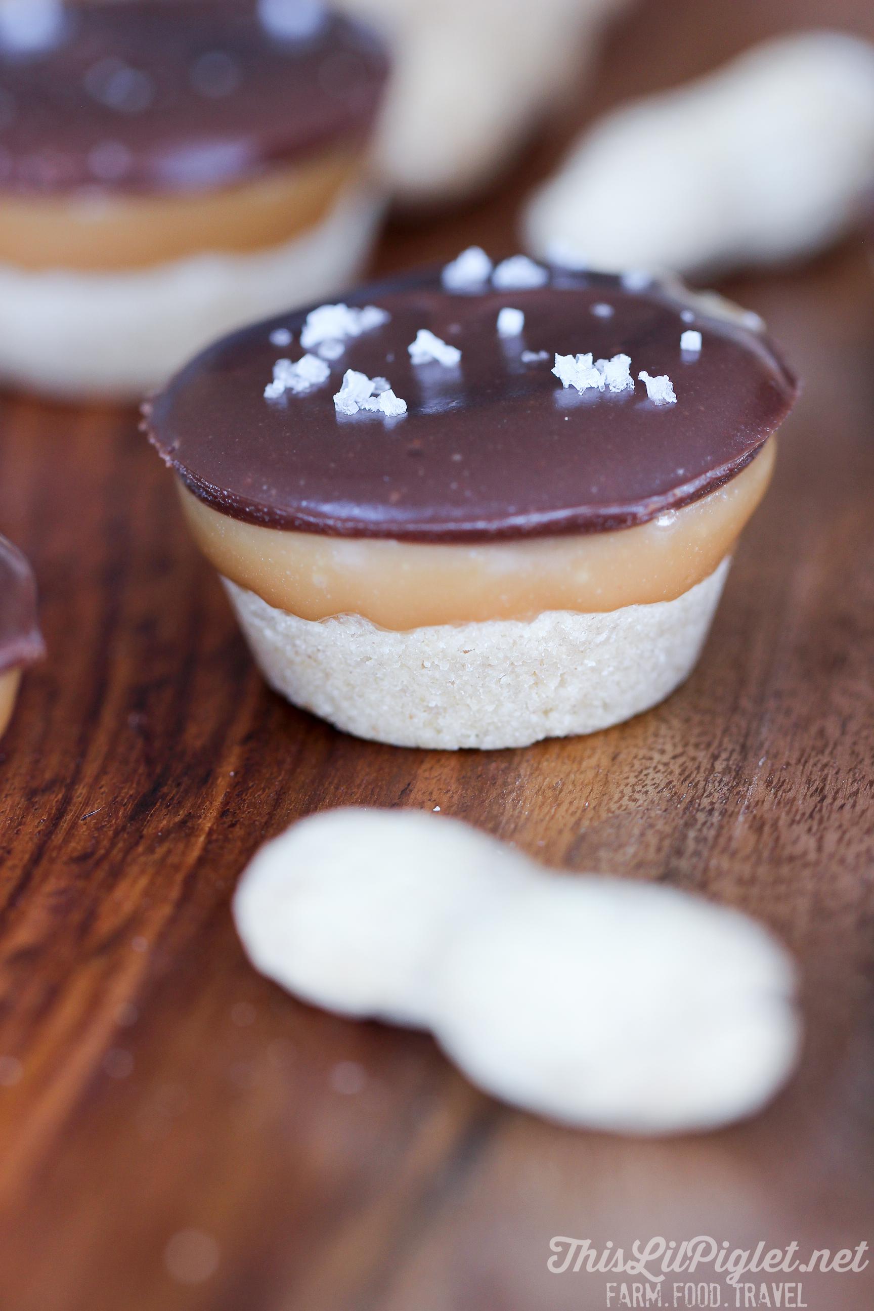Peanut Butter Shortbread Toffee Bites // thislilpiglet.net