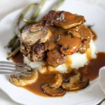 Simple Salisbury Steak // thislilpiglet.net