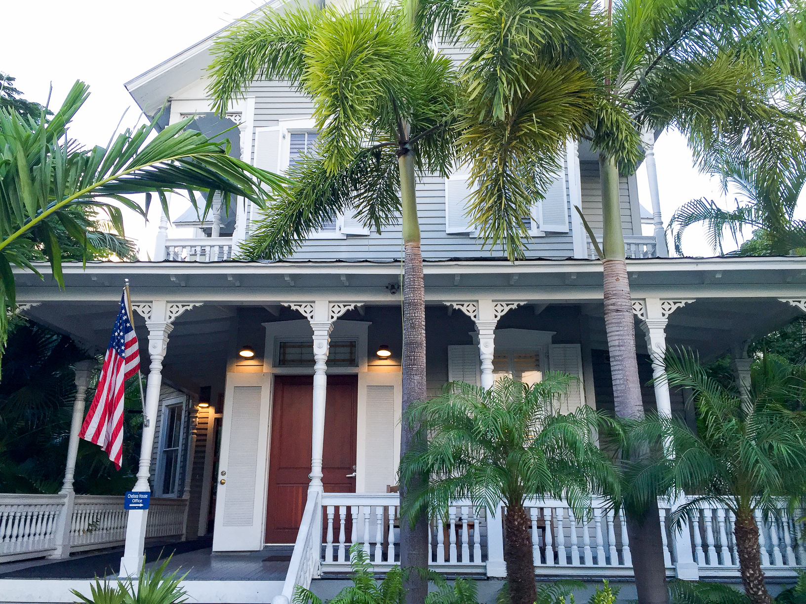 Bucket List Travel Destination: Key West Florida - Where to Stay Chelsea House Hotel // thislilpiglet.net