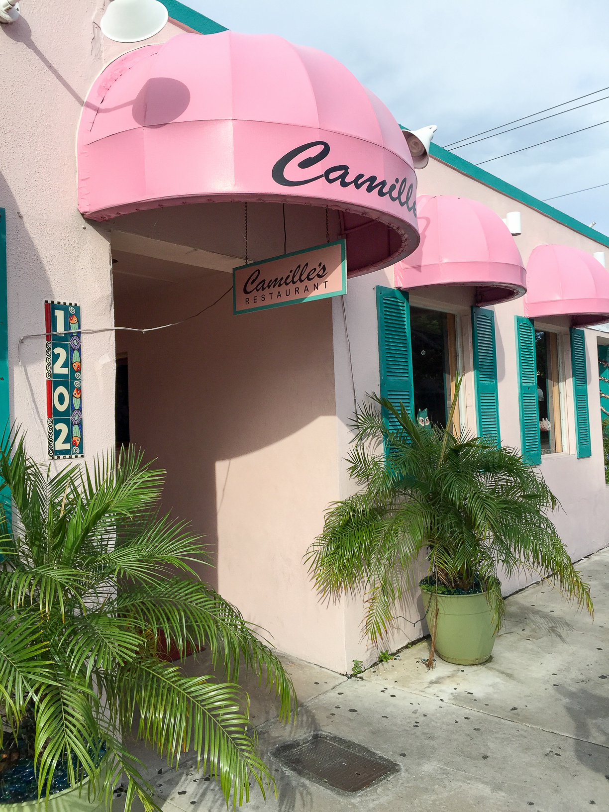 Bucket List Travel Destination: Key West Florida Where to Eat - Camille's Restaurant // thislilpiglet.net
