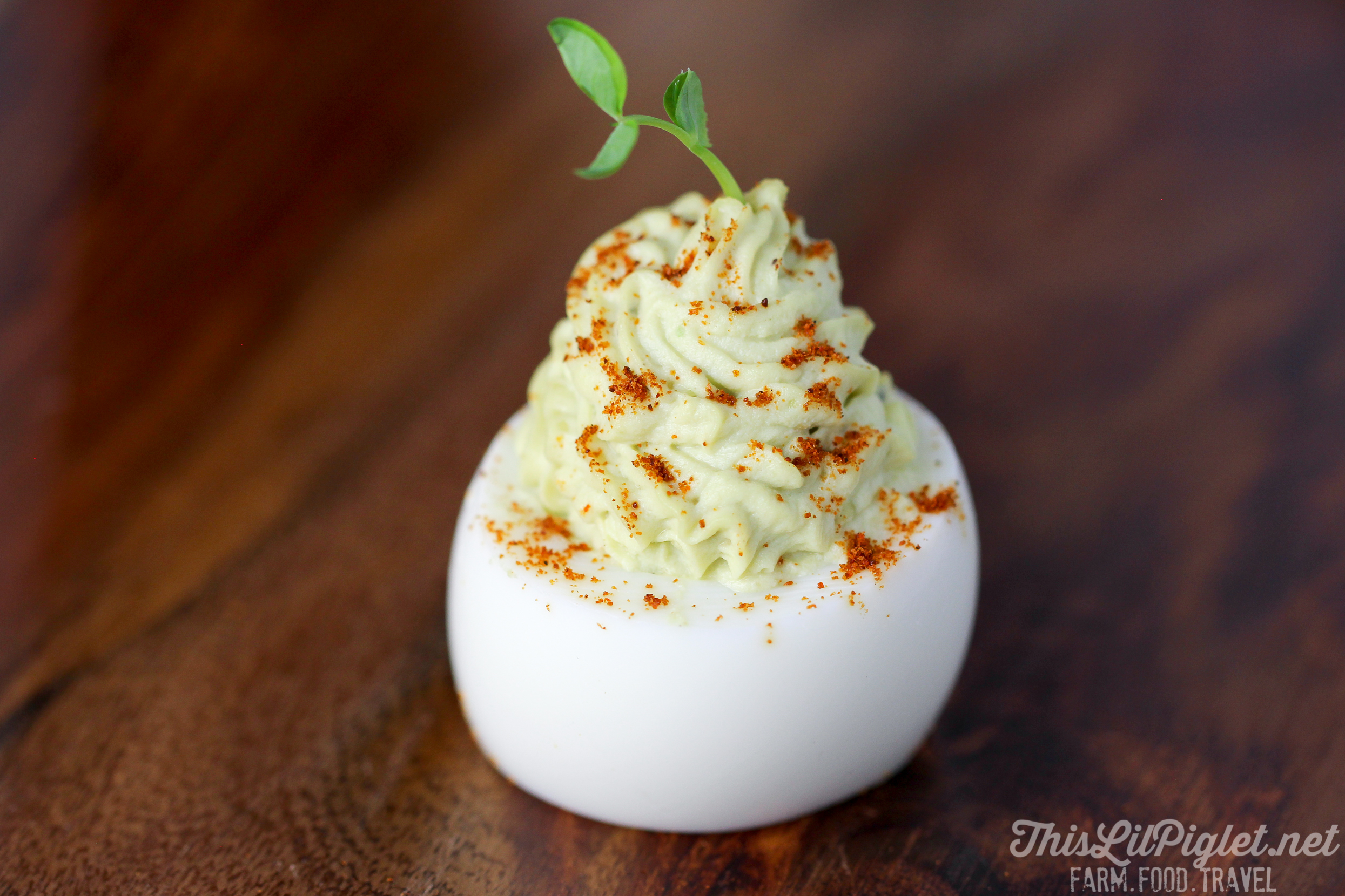 Avocado Devilled Eggs with Smoked Paprika and Garlic // thislilpiglet.net