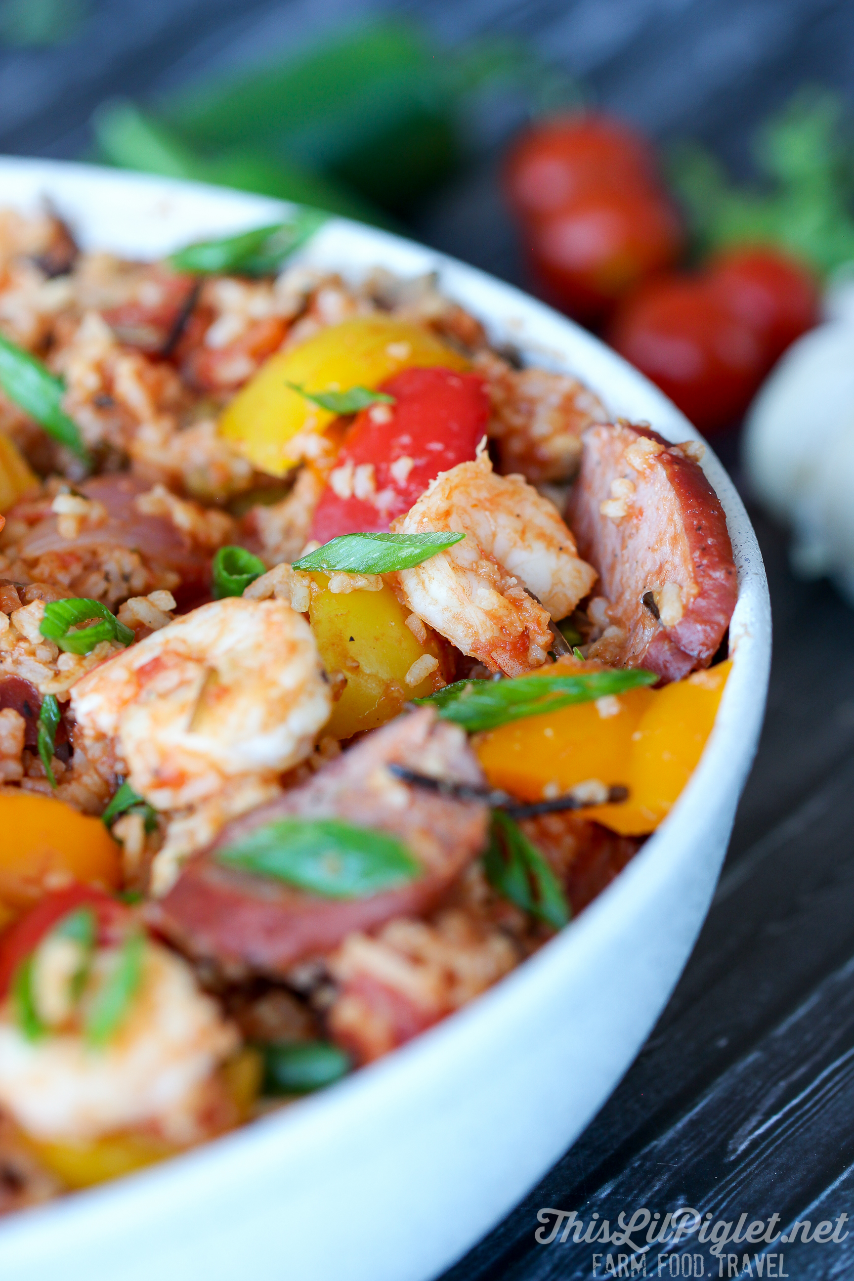 Jambalaya Recipe One Pot Meals with Chicken, Sausage, Shrimp and Wild Rice // via thislilpiglet.net