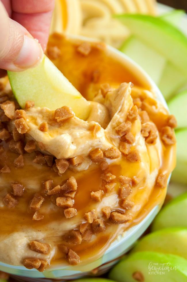 Peanut Butter Dip // thislilpiglet.net