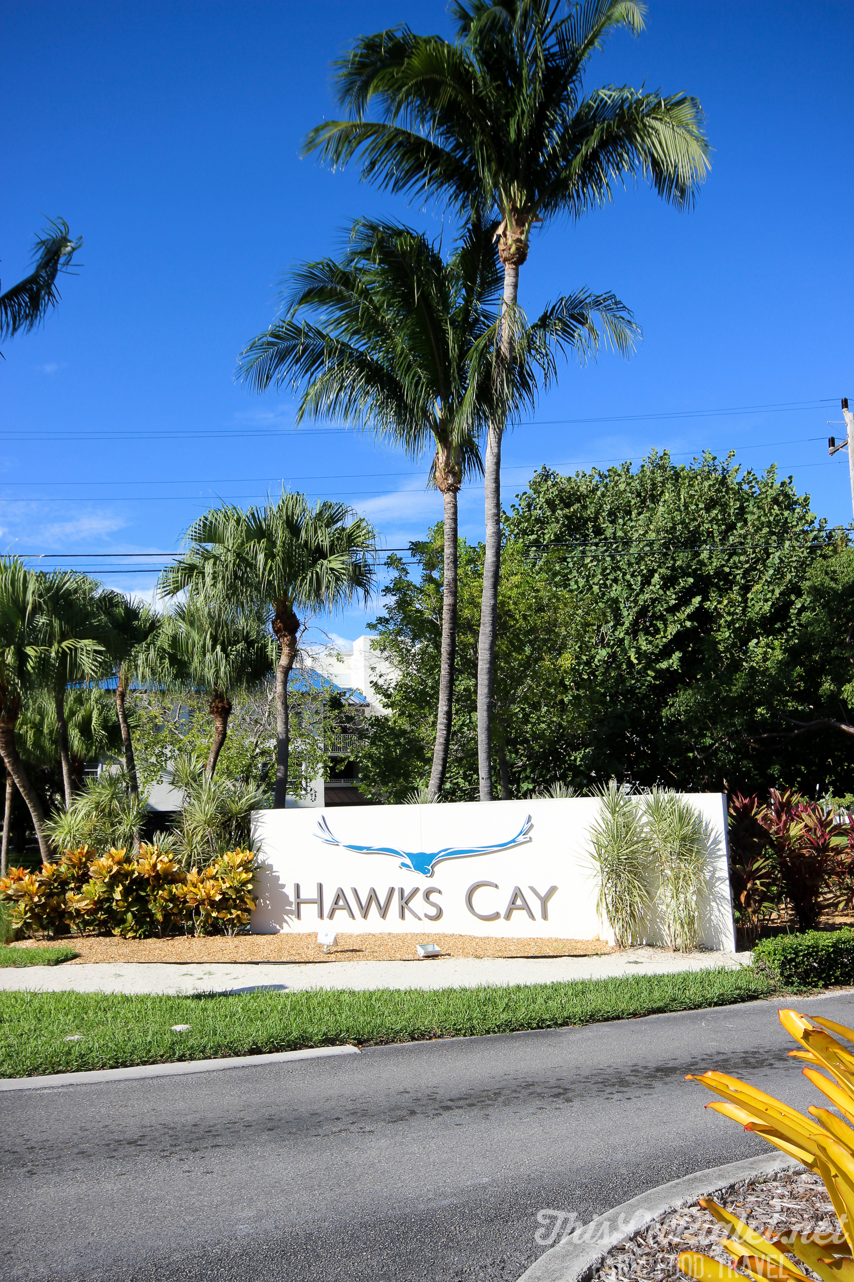 Luxury Family Travel at Hawks Cay Resort Entrance in the Florida Keys // thislilpiglet.net