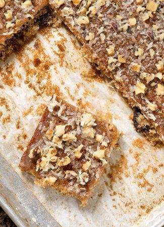 Queen Elizabeth Sheet Cake // thislilpiglet.net