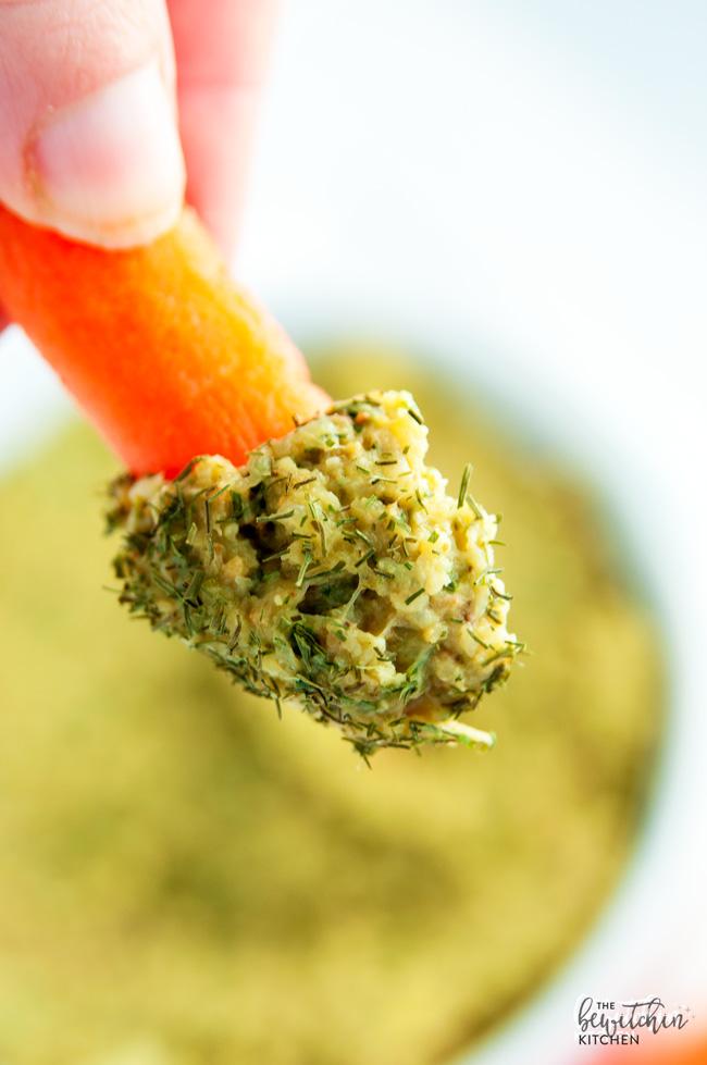 Cauliflower Avocado Dip Vitamix Recipe // thislilpiglet.net