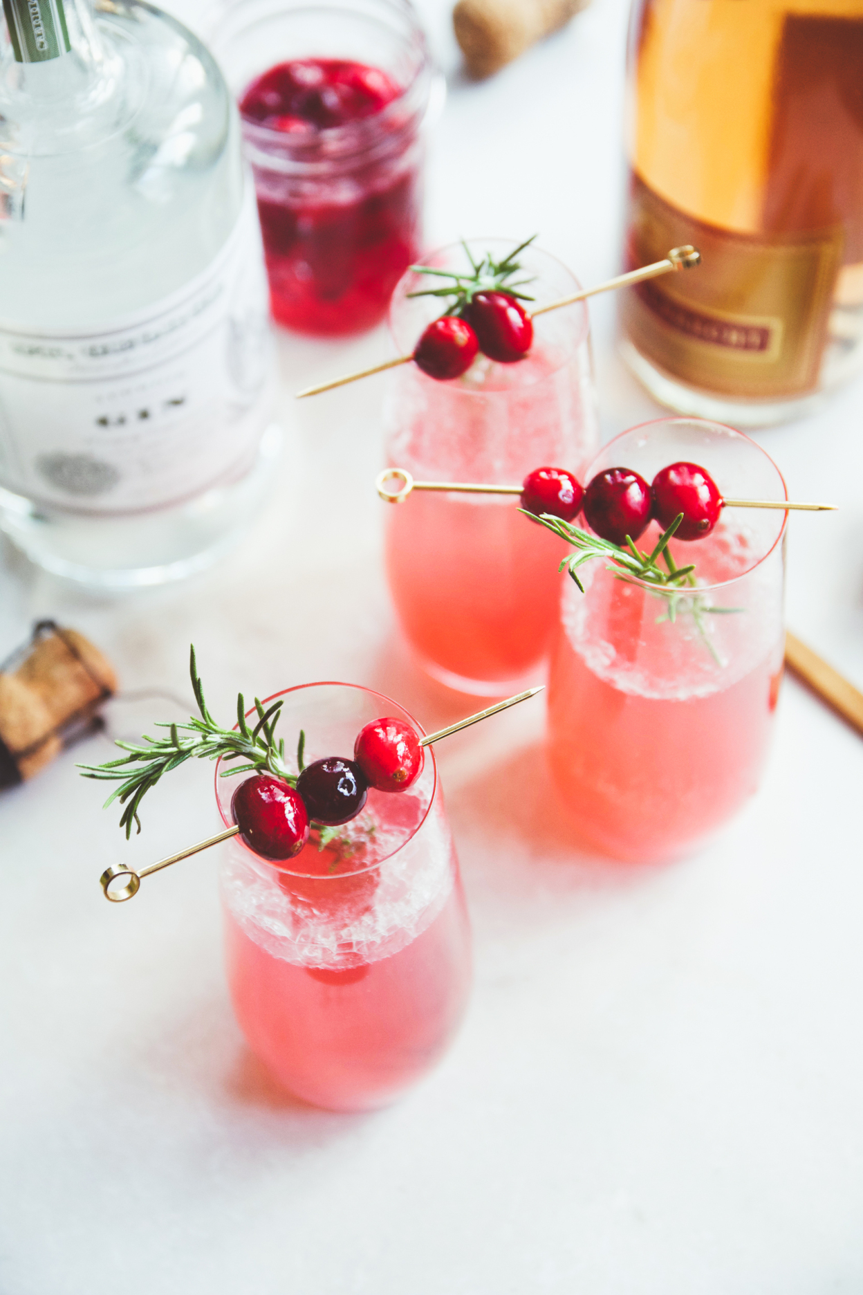 60 New Year's Recipes: New Year's Appetizers Cocktails // thislilpiglet.net