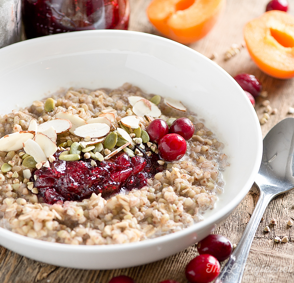 Healthy Breakfast Ideas: Cranberry Buckwheat Porridge with Almonds and Pumpkin Seeds // thislilpiglet.net