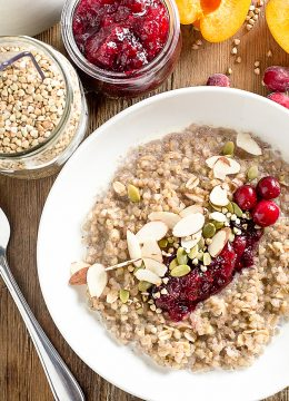 Healthy Breakfast Ideas: Cranberry Buckwheat Porridge // thislilpiglet.net