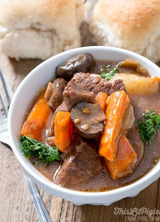 Comfort Food Recipes: Beef Stew // thislilpiglet.net