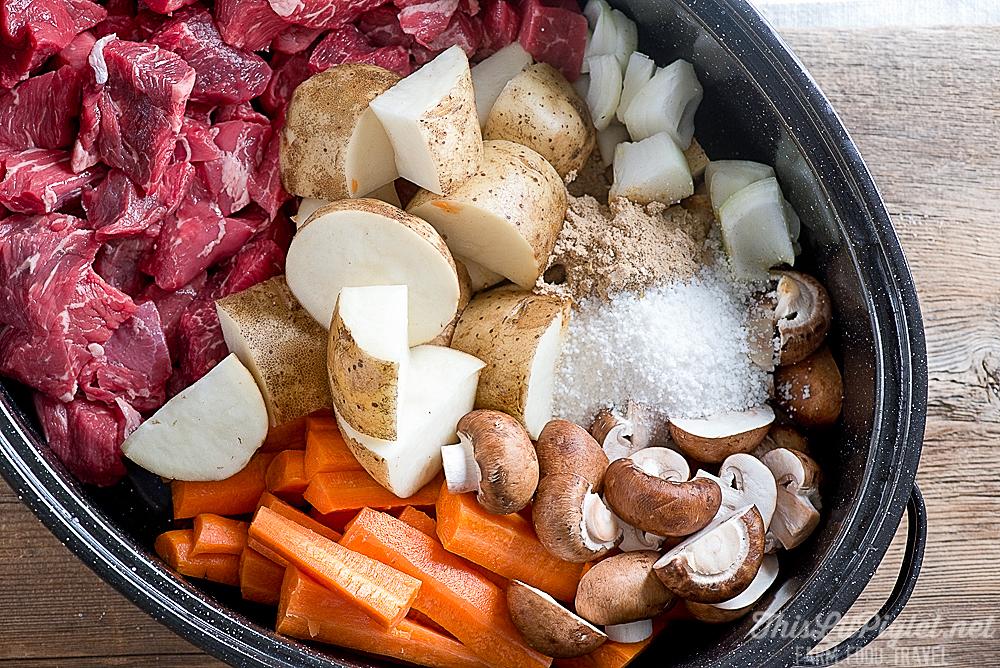 Comfort Food Recipes: Beef Stew Ingredients // thislilpiglet.net