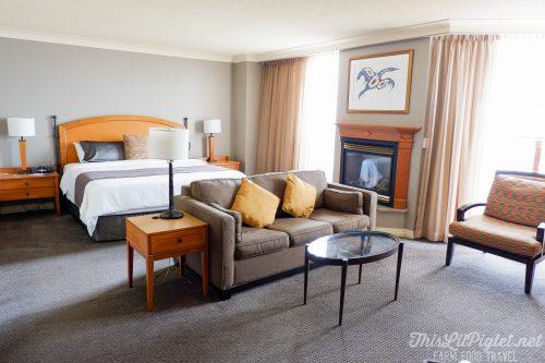 Winter Travel Bucket List: Where to Stay - Casino Rama Room // thislilpiglet.net