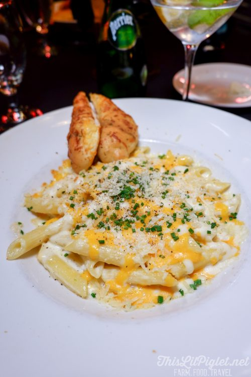 Winter Travel Bucket List: Where to Eat - Grape & Olive Restaurant Chicken Alfredo Penne // thislilpiglet.net