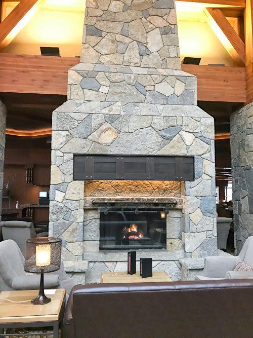 Winter Travel Bucket List: Where to Stay - Casino Rama Firestarter Lounge // thislilpiglet.net