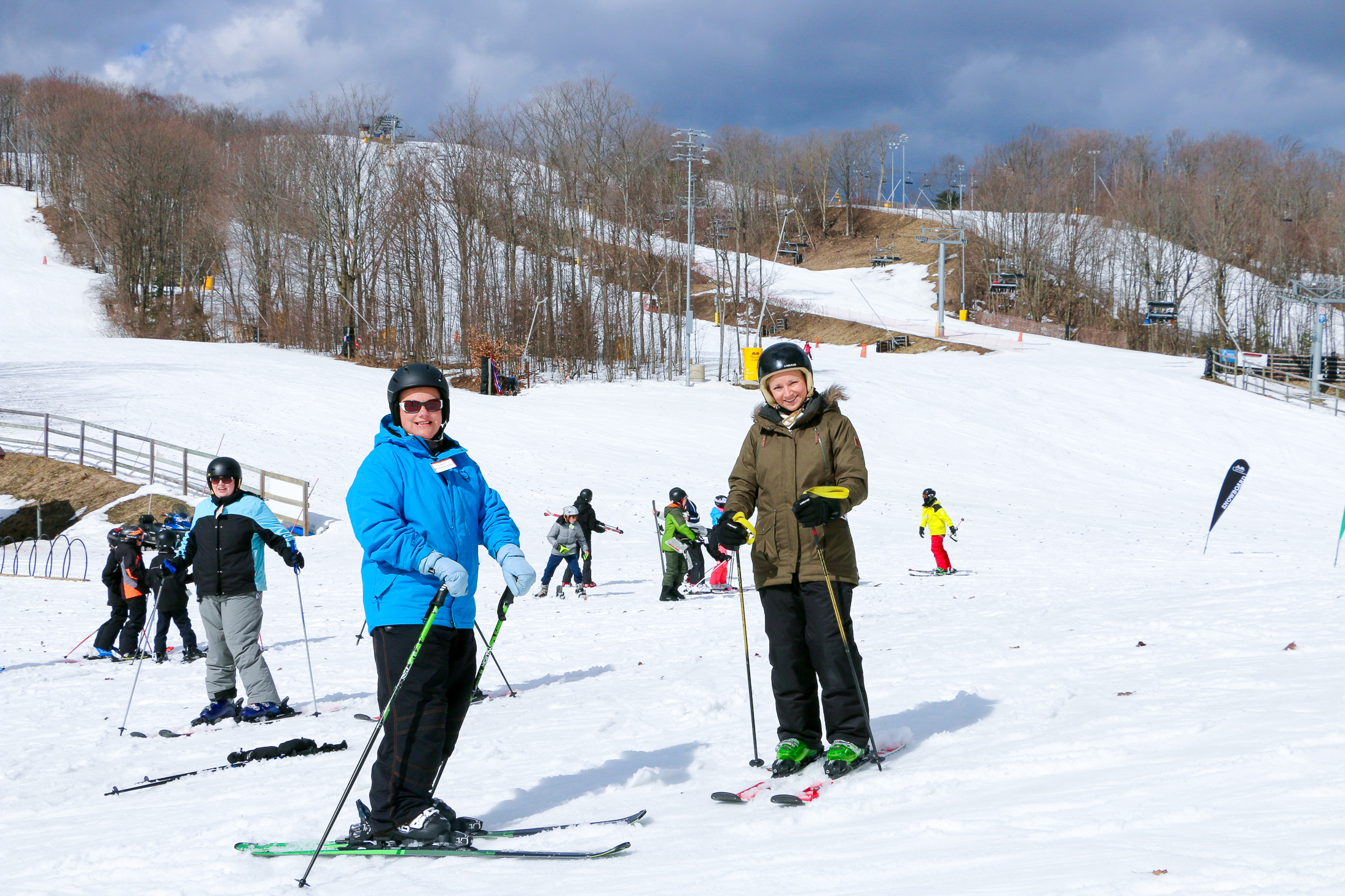 Winter Travel Bucket List: What to Do - Mount St. Louis Moonstone Skiing // thislilpiglet.net