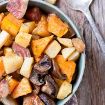 Garlic Roasted Vegetables - an easy and healthy side dish // thislilpiglet.net