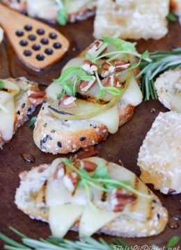 Grilled Pear Crostini with Cheese and Honey Pecan Drizzle // thislilpiglet.net