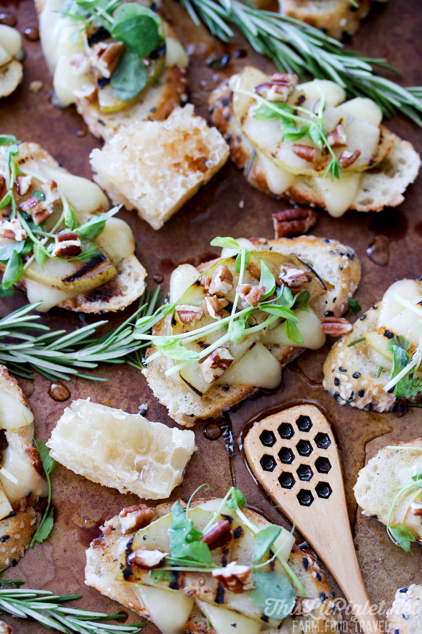 Grilled Pear Crostini with Cheese and Spiced Honey Pecan and Balsamic Drizzle // thislilpiglet.net