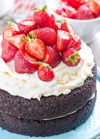No Fuss Layered Berry Chocolate Cake // thislilpiglet.net