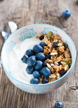 Blueberry Kasha & Honey Granola // thislilpiglet.net