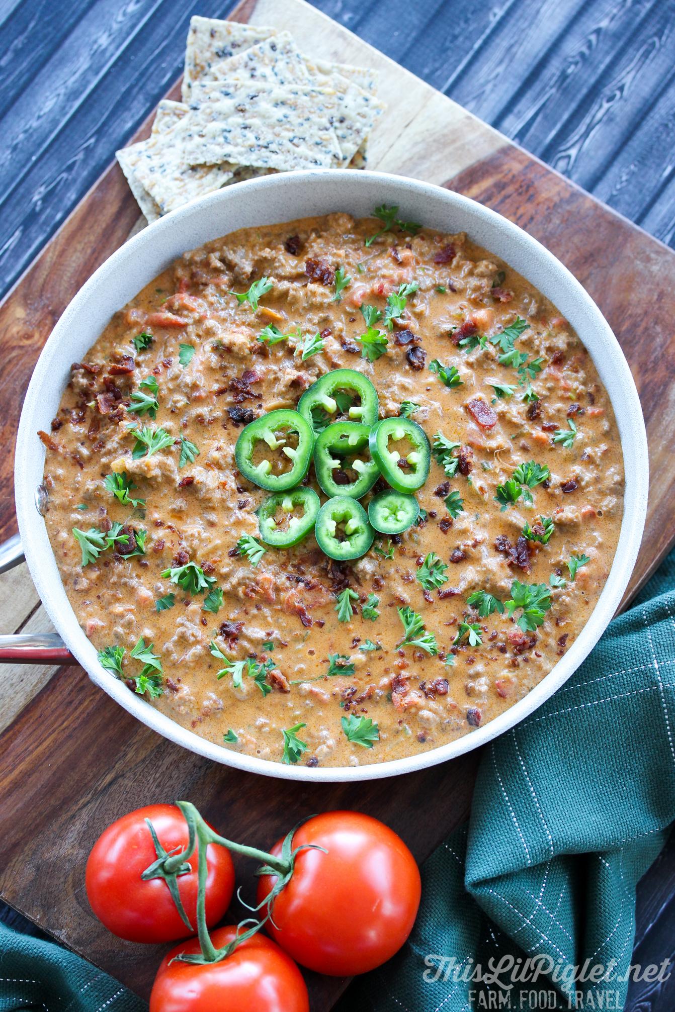 Cheeseburger Jalapeño Popper Dip Appetizer // thislilpiglet.net