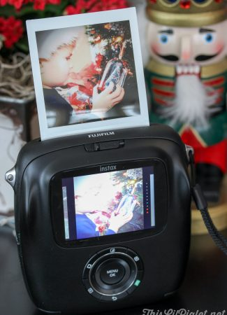 Creating Holiday Memories with Instax // thislilpiglet.net