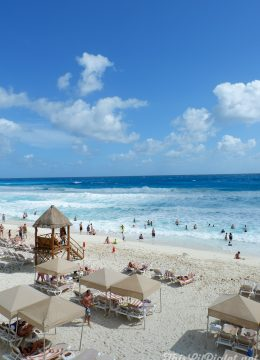Family Vacations for All Ages at Cancun Paradise Club Resort: Things to Do - White Sand Beach // thislilpiglet.net