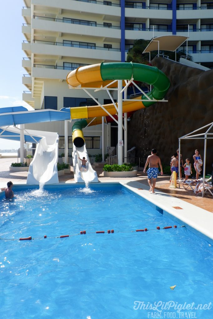 Family Vacations for All Ages at Cancun Paradise Club Resort: Where to Stay - Waterslides // thislilpiglet.net