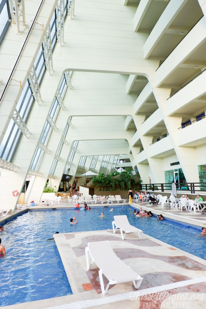 Family Vacations for All Ages at Cancun Paradise Club Resort: Where to Stay // thislilpiglet.net
