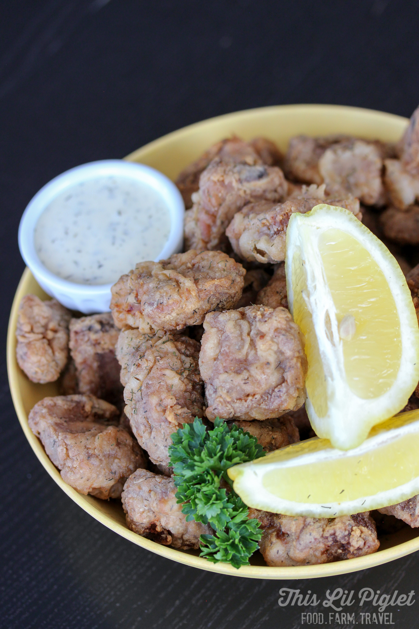 Pub Style Garlic Dry Ribs // thislilpiglet.net