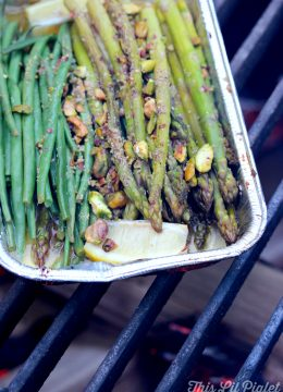 Lemon Dill Campfire Asparagus and Green Beans // thislilpiglet.net