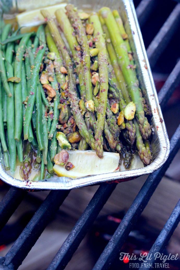 Lemon Dill Campfire Asparagus and Green Beans // thislilpiglet.net